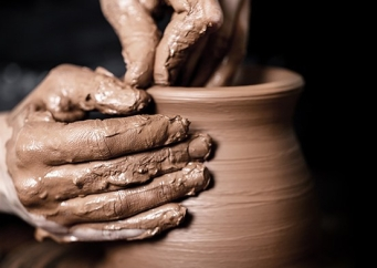 potters-wheel-clay.jpg
